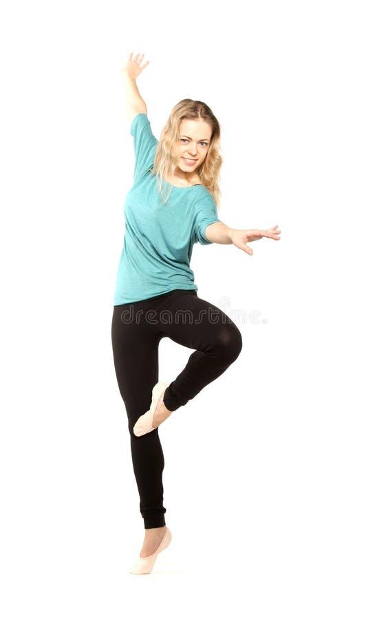 Het jonge mooie danser stellen stock fotografie