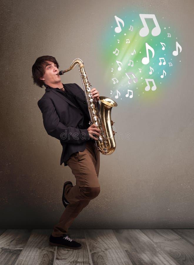 Download Het Jonge Musicus Spelen Op Saxofoon Stock Afbeelding - Afbeelding bestaande uit entertainer, art: 39100725