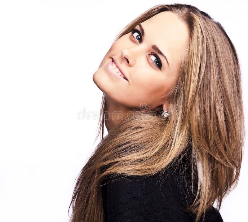 Het jonge sensuele modelmeisje stelt in studio. royalty-vrije stock foto