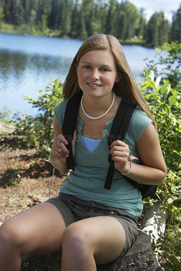 Het jonge Tienerwandelaar Rusten stock fotografie