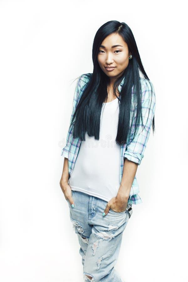 Het jonge vrij lange haar Aziatische vrouw gelukkige het glimlachen emotionele stellen ge?soleerd op witte achtergrond, het conce royalty-vrije stock foto's