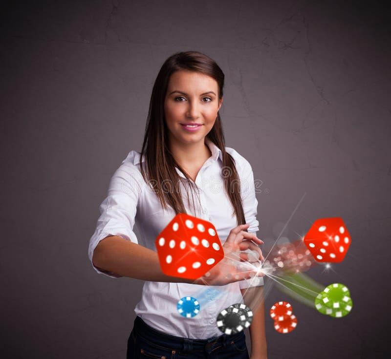 Download Het Jonge Vrouw Werpen Dobbelt En Breekt Af Stock Afbeelding - Afbeelding bestaande uit activiteit, punt: 39101061