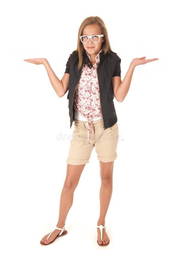 Het jonge vrouwelijke model die in borrels haar houden deelt vlakte uit stock foto