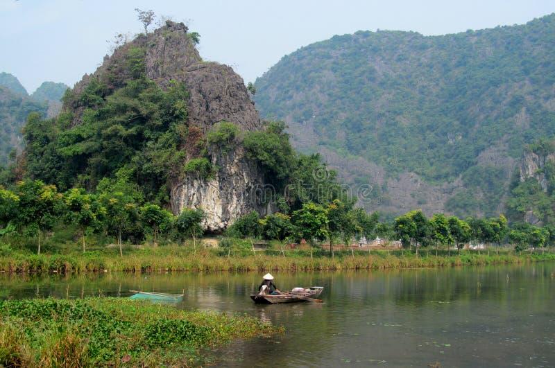 Het kalksteenlandschap van Ninhbã¬nh royalty-vrije stock afbeelding