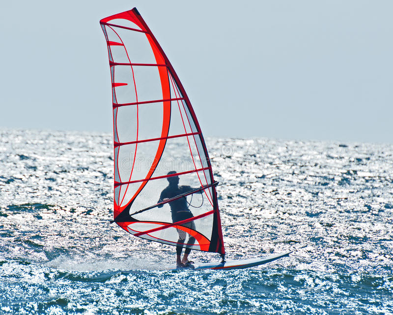Het kalme wind surfen royalty-vrije stock afbeeldingen