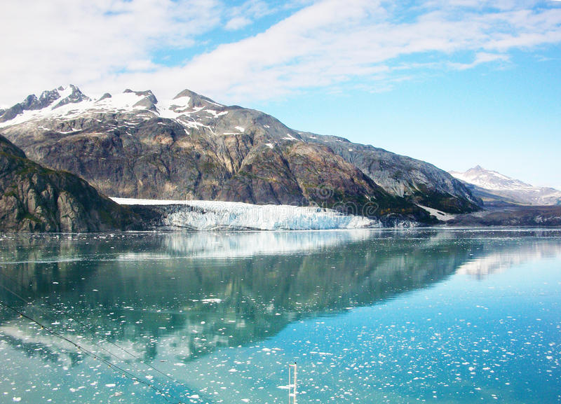 Het kalven Hubbard Gletsjer Alaska stock foto