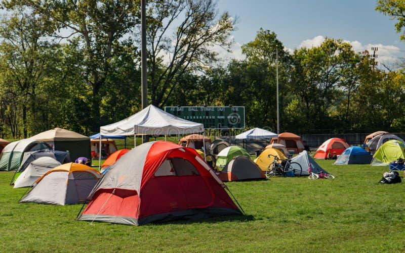 Het kamperen bij het Festival stock fotografie