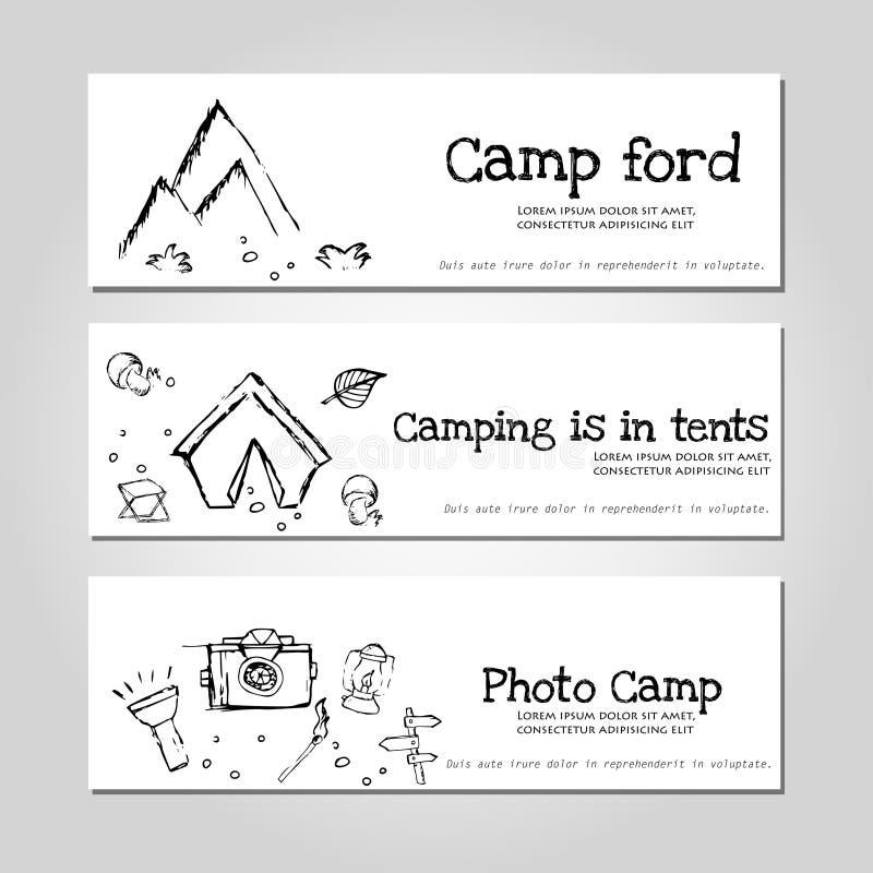 Het kamperen - krabbelsinzameling Vectordiebannermalplaatjes met krabbels het kamperen thema worden geplaatst royalty-vrije illustratie