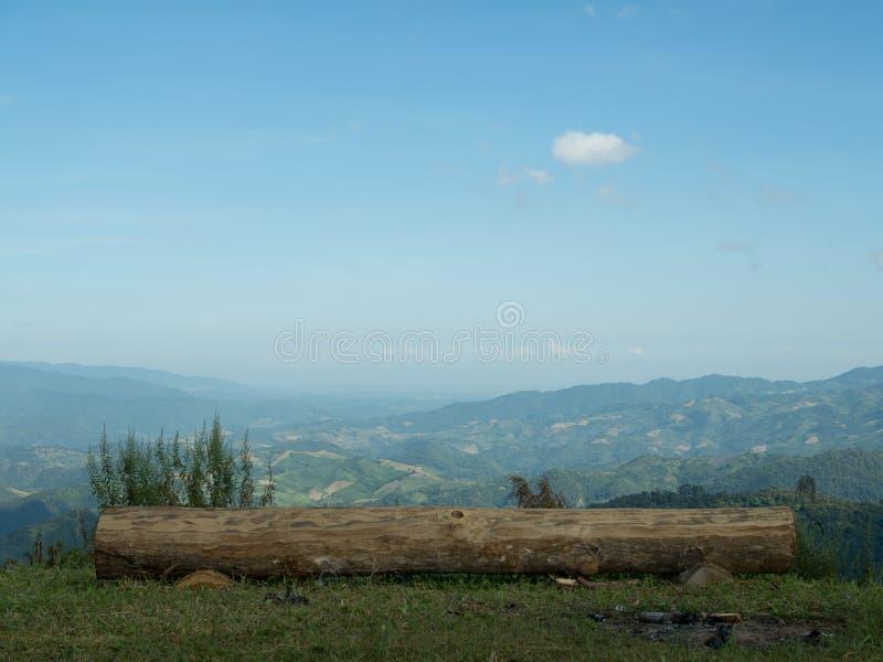 Het kamperen op Mountian stock afbeeldingen