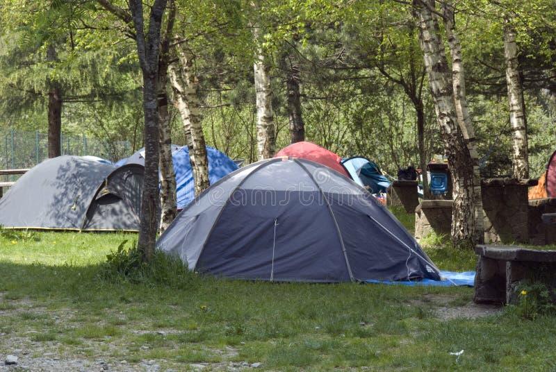 Het kamperen tenten stock foto's