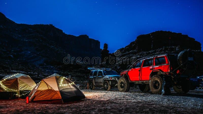 Het kamperen van Utah plaats met auto's royalty-vrije stock afbeeldingen
