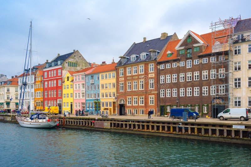 Het Kanaal en het District van Kopenhagen Nyhavn stock foto