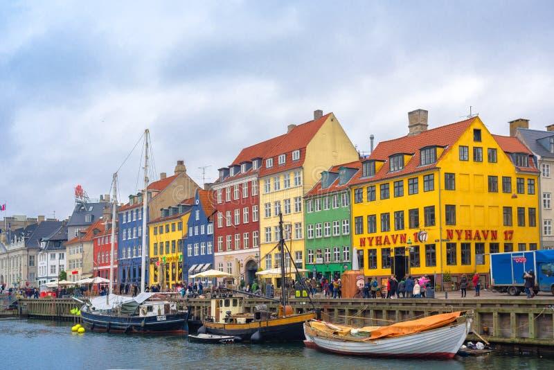 Het Kanaal en het District van Kopenhagen Nyhavn stock afbeeldingen