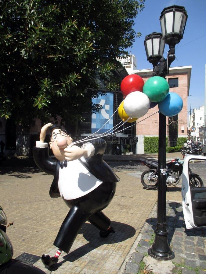 Het karakter van beeldhouwwerkdon fulgencio in de Gang van het erkende beeldverhaal en geliefd makend karakter San Telmo Buenos A stock fotografie