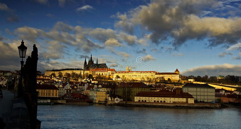 Het kasteel Hradcany van Praag stock afbeelding