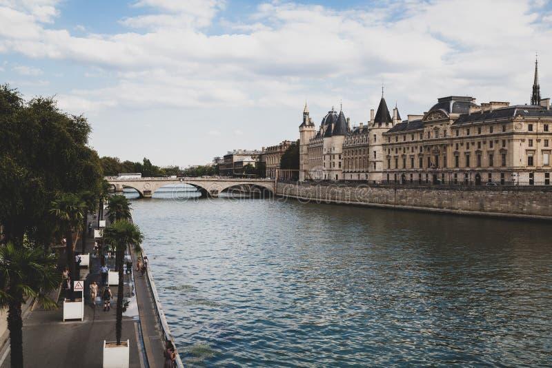 Het kasteel in Parijs Frankrijk royalty-vrije stock afbeelding