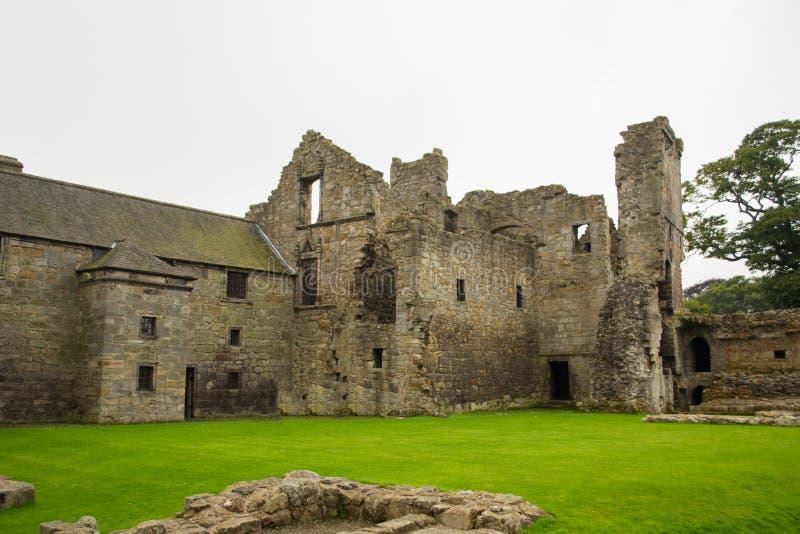 Het Kasteel van Aberdour en Tuinen, Fife royalty-vrije stock fotografie
