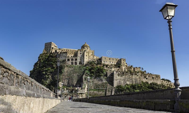 Het kasteel van Aragonese Ischia Italië stock afbeelding
