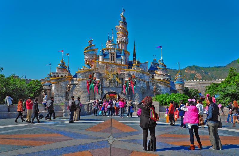 Het kasteel van Cinderella in disneyland Hongkong stock afbeeldingen