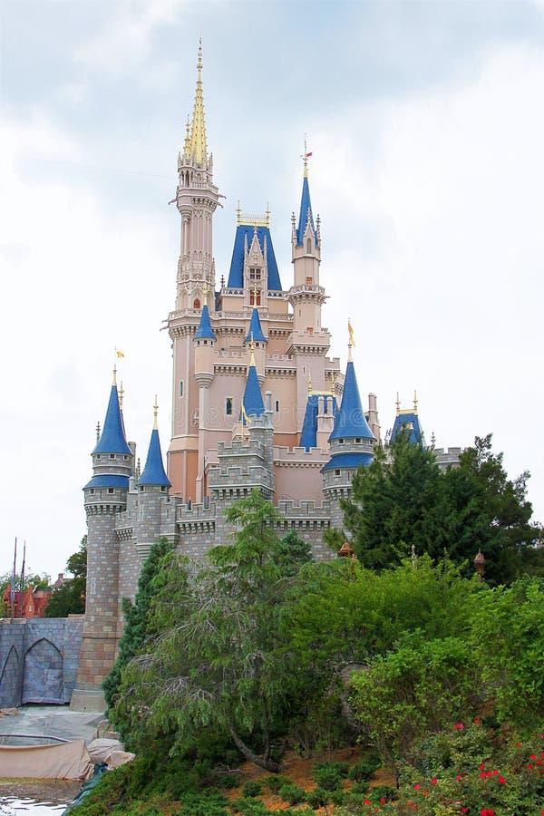 Het kasteel van Cinderella van Disney stock afbeeldingen