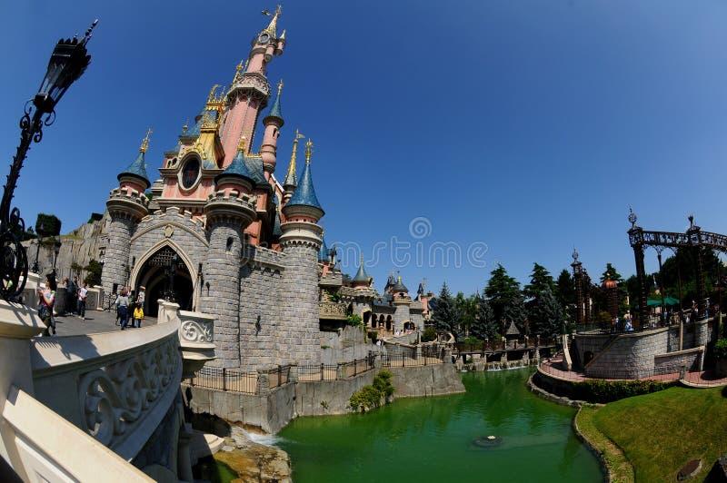 Het kasteel van de fee - Disneyland Parijs royalty-vrije stock afbeeldingen