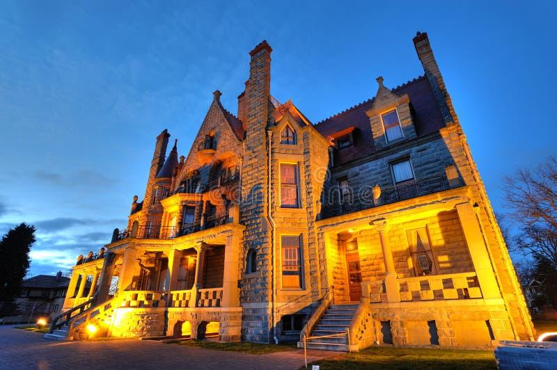 Het kasteel van de nacht stock fotografie