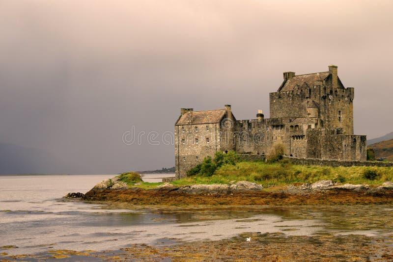 Het Kasteel van Donan van Eileen in Schotland royalty-vrije stock foto's