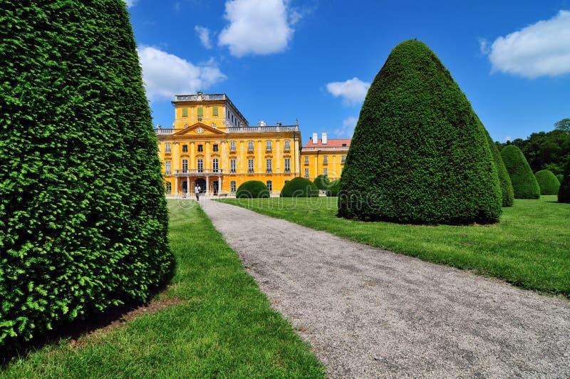 Het kasteel van Esterhazy - park royalty-vrije stock afbeelding