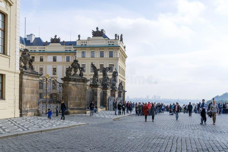 Het Kasteel van Hradcany in Praag stock foto's