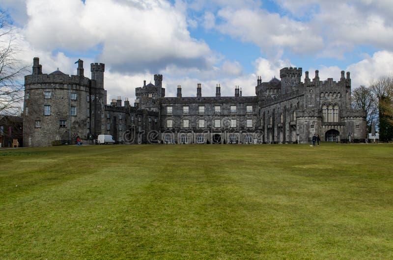 Het Kasteel van Kilkenny, Ierland stock afbeeldingen