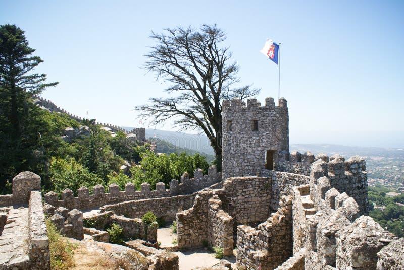 Het kasteel van legt in Sintra vast stock foto's