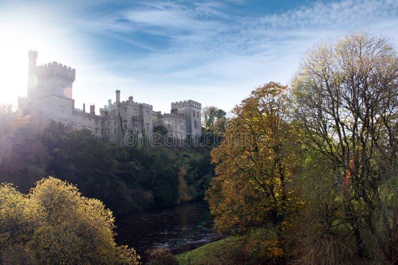 Het kasteel van Lismore over de blackwaterrivier stock foto