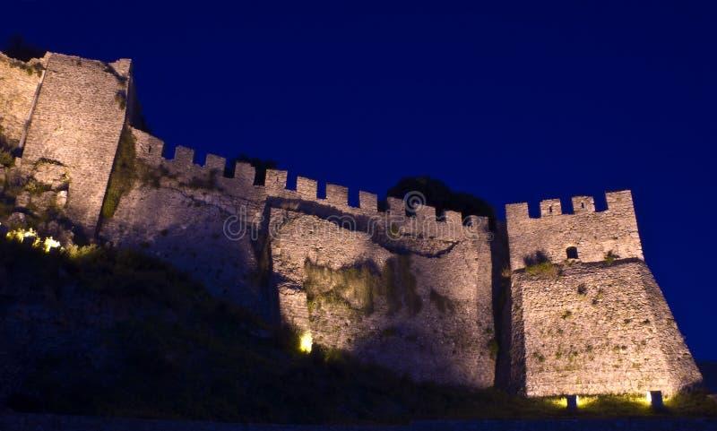 Het kasteel van Nafpaktos bij nacht. royalty-vrije stock afbeeldingen