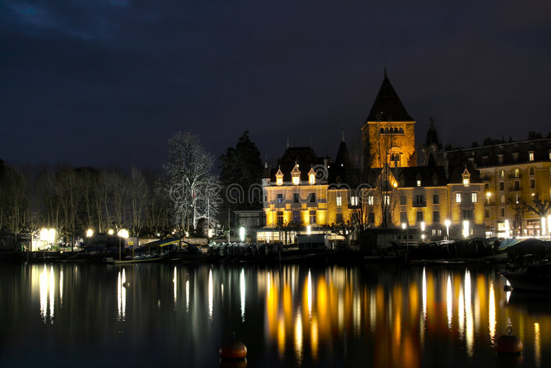Het Kasteel van Ouchy in Lausanne, Zwitserland stock foto's