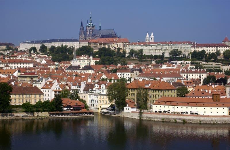 Het Kasteel van Praag en St Vitus Cathedral - Praag - Tsjechische Republiek royalty-vrije stock afbeeldingen