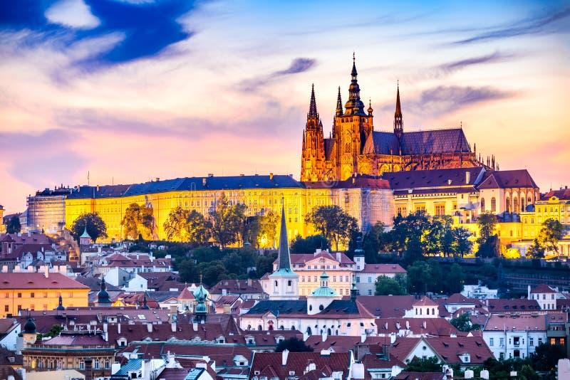 Het Kasteel van Praag, Tsjechische Republiek - Bohemen stock afbeeldingen