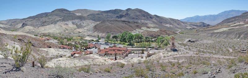 Het Kasteel van Scotty - Doodsvallei - Panorama stock fotografie