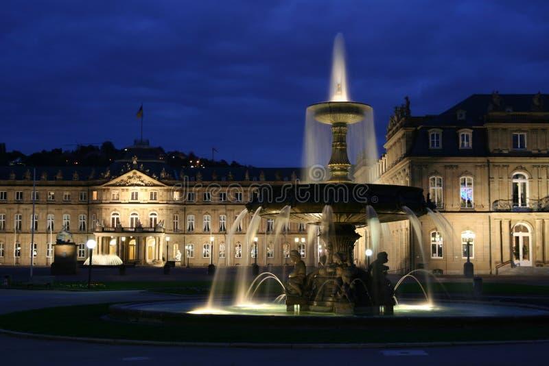 Het kasteel van Stuttgart bij schemer royalty-vrije stock afbeeldingen