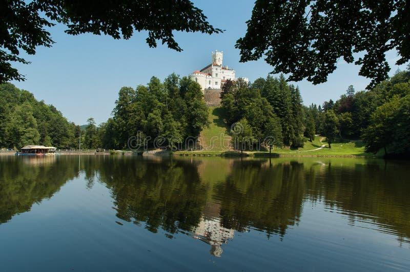 Het Kasteel van Trakoscan in Kroatië stock afbeeldingen