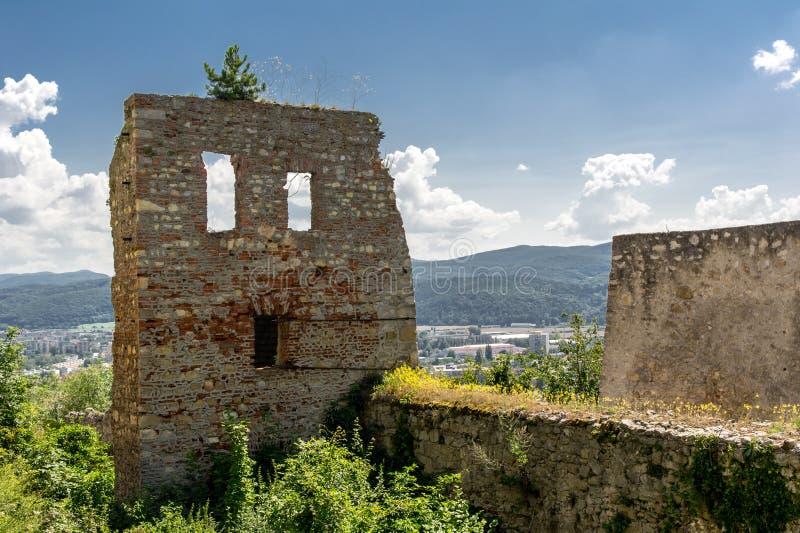 Het kasteel van Trencin royalty-vrije stock afbeeldingen