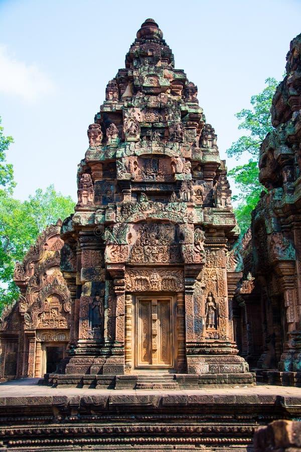 Het kasteelgroep van Banteaysrei Architectuur van oude Khmer royalty-vrije stock afbeeldingen