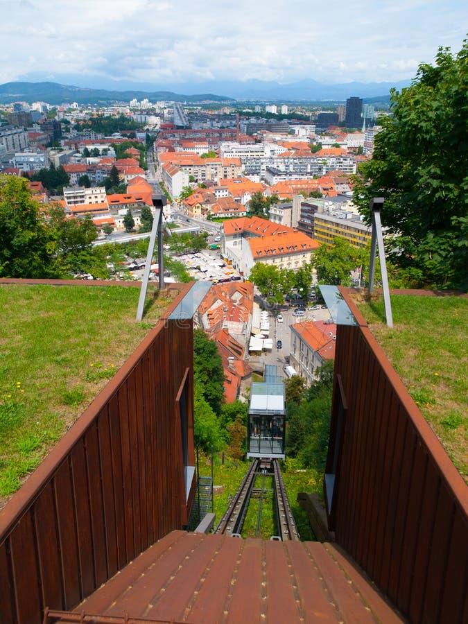 Het Kasteelkabelbaan van Ljubljana stock afbeeldingen