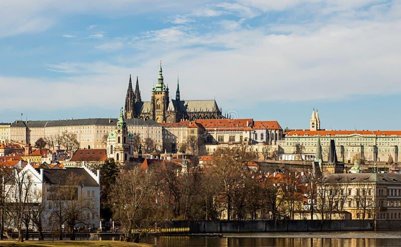 Het Kasteelwoonplaats van Praag van de President van Tsjechische Republiek complex van kathedraal van het gebouwen de koninklijke royalty-vrije stock fotografie