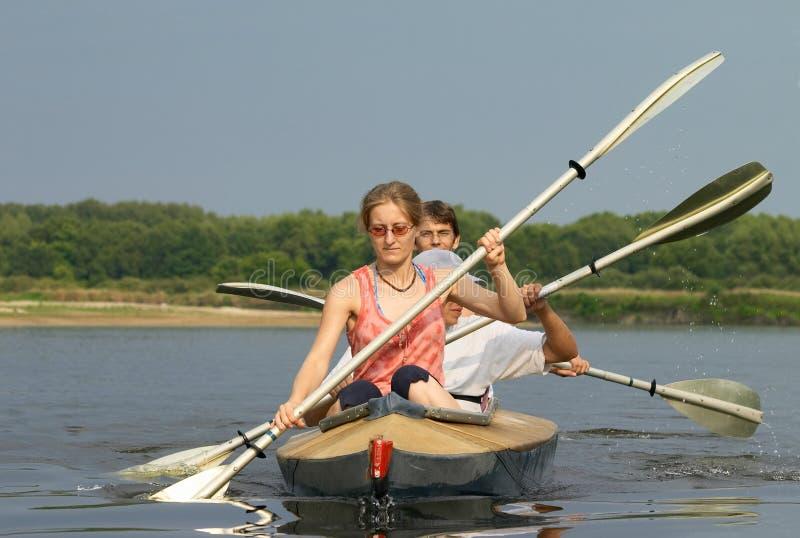 Het kayaking van volkeren royalty-vrije stock foto's