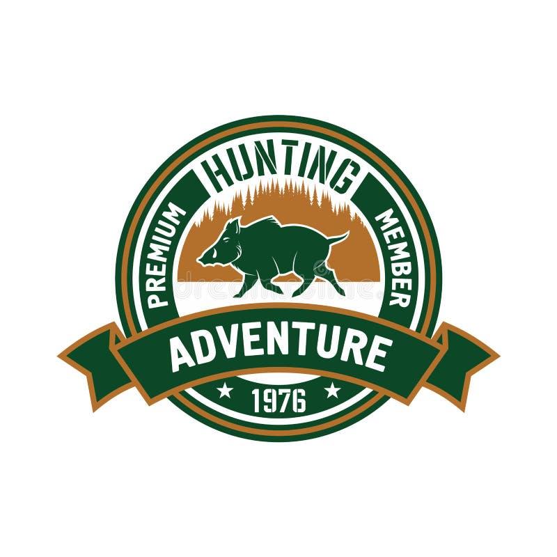 Het kenteken van de de jachtclub met everzwijn en bos royalty-vrije illustratie