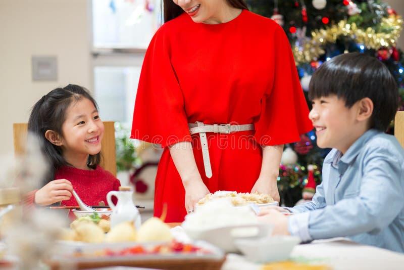 Het Kerstmisdiner giecheelt royalty-vrije stock foto