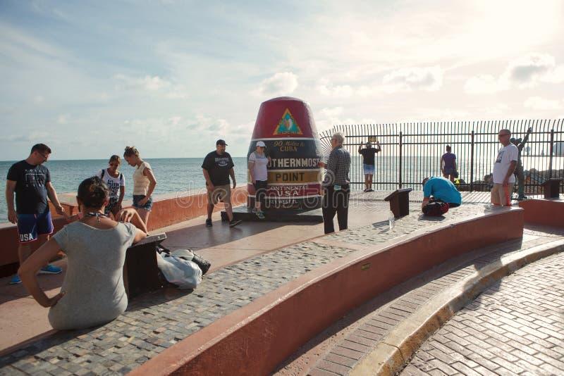 Het Key West-Boeiteken die het meest zuidelijke punt van de V.S. merken stock foto's