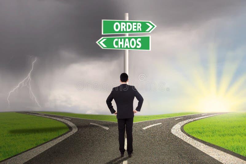 Het kiezen van orde of chaos 3 royalty-vrije stock afbeelding
