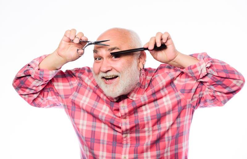 In het kijken Herenkapperconcept Scherende toebehoren de ongeschoren oude mens heeft snor en baard Rijpe gebaarde mens royalty-vrije stock foto