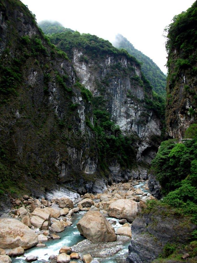 Het kijken langs Taroko-Kloof royalty-vrije stock fotografie